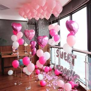 Phòng sinh nhật gồm bóng tim và bóng tròn